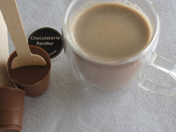Delicious DIY Hot Chocolate Spoons in Milk and Dark Chocolate